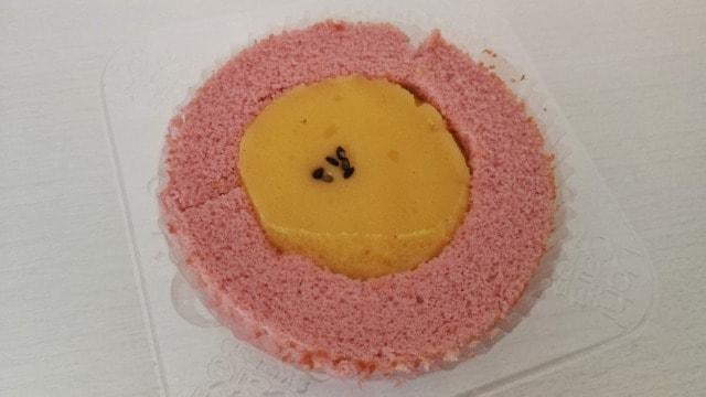 ローソンさつまいもロールケーキを食べた感想