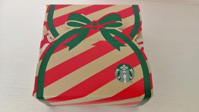 スタバクリスマスの持ち帰り箱