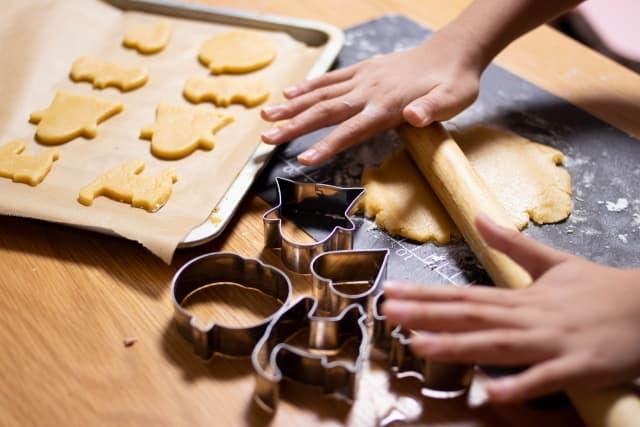 家での暇つぶし家族で一緒にお菓子作り