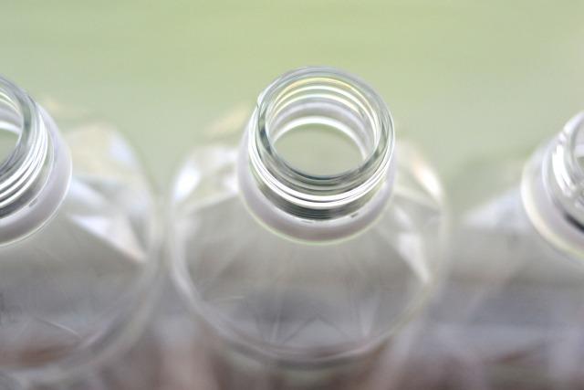 からのペットボトル