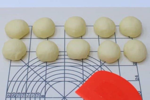 手作りパンを焼く前に冷凍