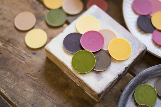 チョコに色を付ける方法