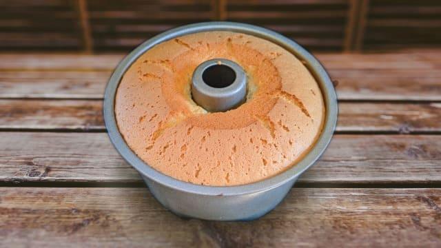 シフォンケーキを型のまま冷蔵庫で冷やすのはあり?