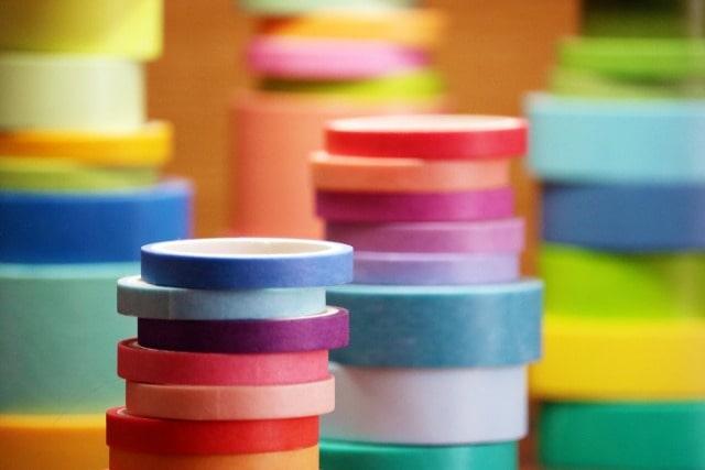 プラスティック容器のシールベタベタを取る方法