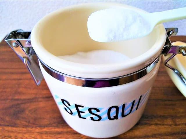 頑固なぶどうジュースのシミにはセスキ炭酸ソーダ+酵素系漂白剤