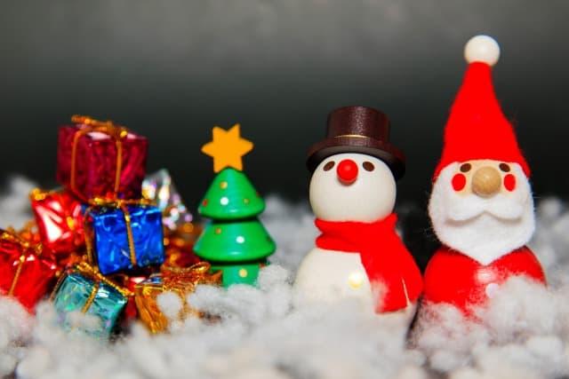 クリスマスのプレゼントはいつの朝?